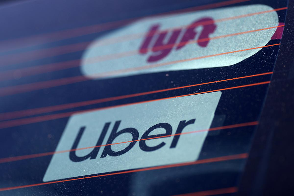Lyft's stock slide casts long shadow on Uber's IPO